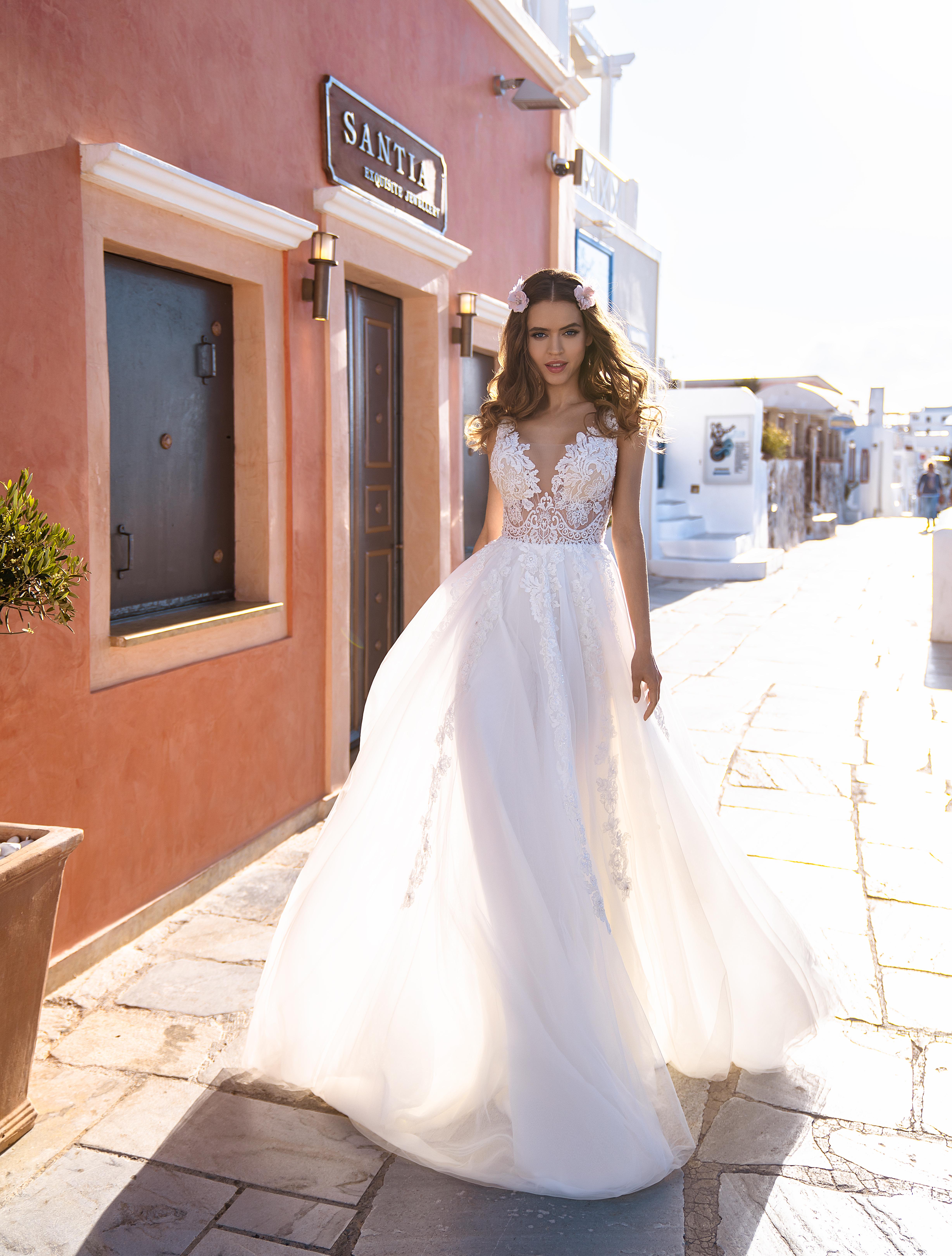 Rochia de mireasă brodată cu mărgele, pietre și perle en-gros de la rochia de mireasă Silviamo-1