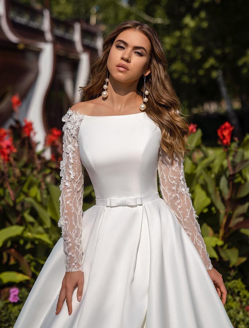 Elegant puffy wedding dress wholesale from Silviamo-1