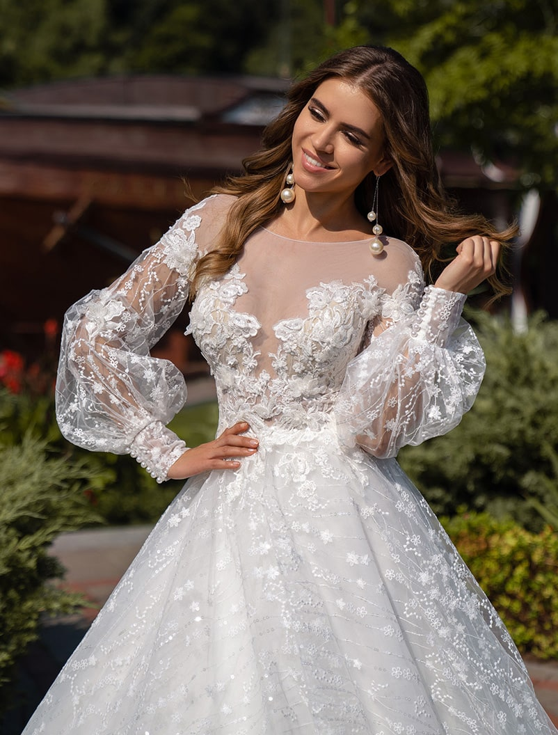 Wedding dress of floral lace wholesale from Silviamo-1