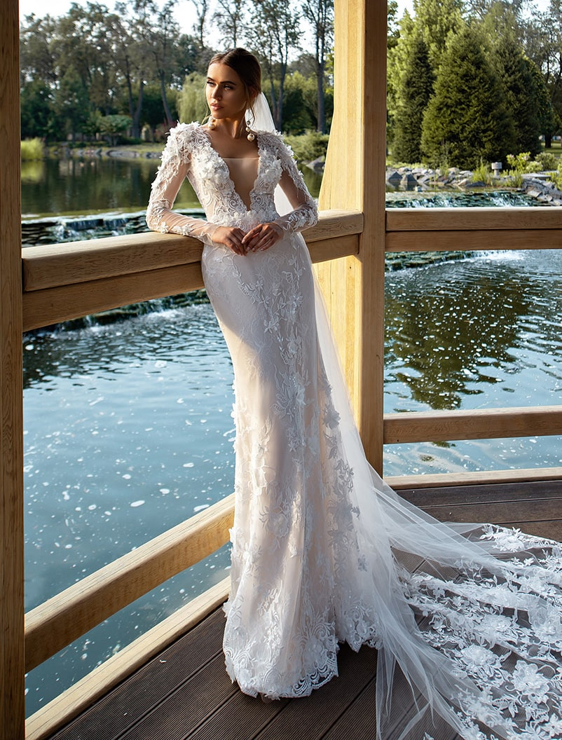 "Wedding dress ""godet"" with voluminous flowers wholesale from Silviamo-1"