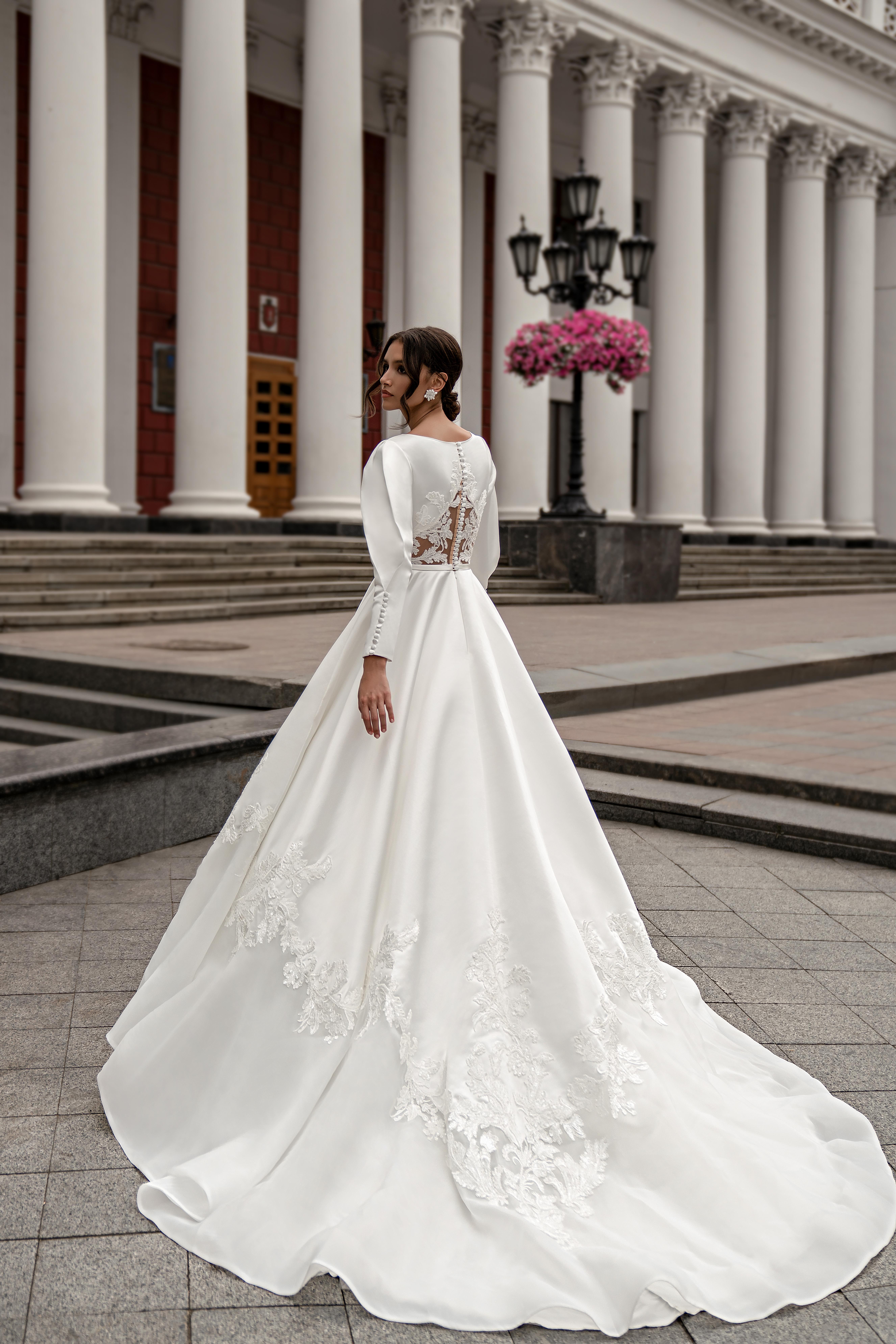 Весільна сукня з довгими рукавами оптом від Silviamo-1