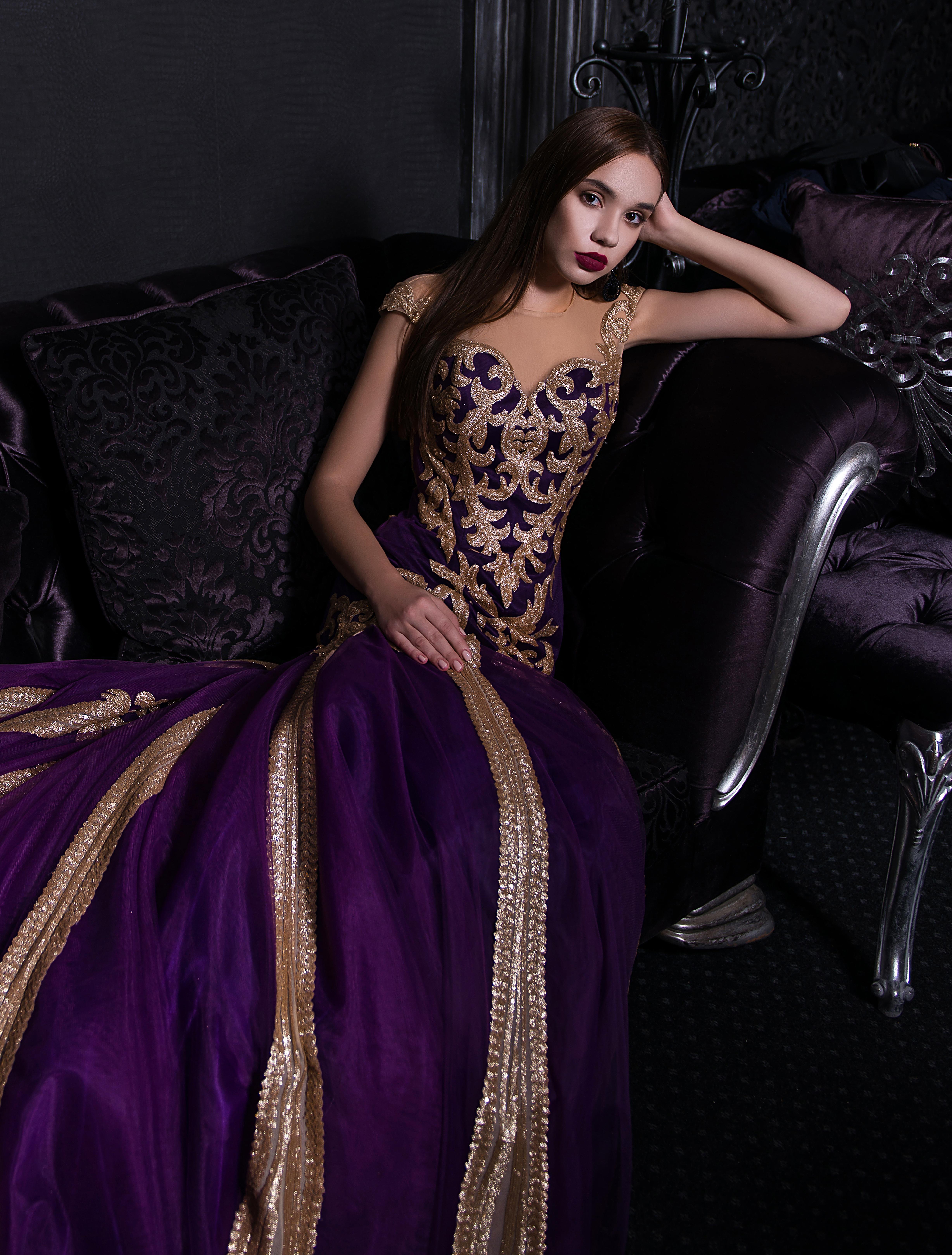 Вечернее платье силуэта «рыбка» со шлейфом-1