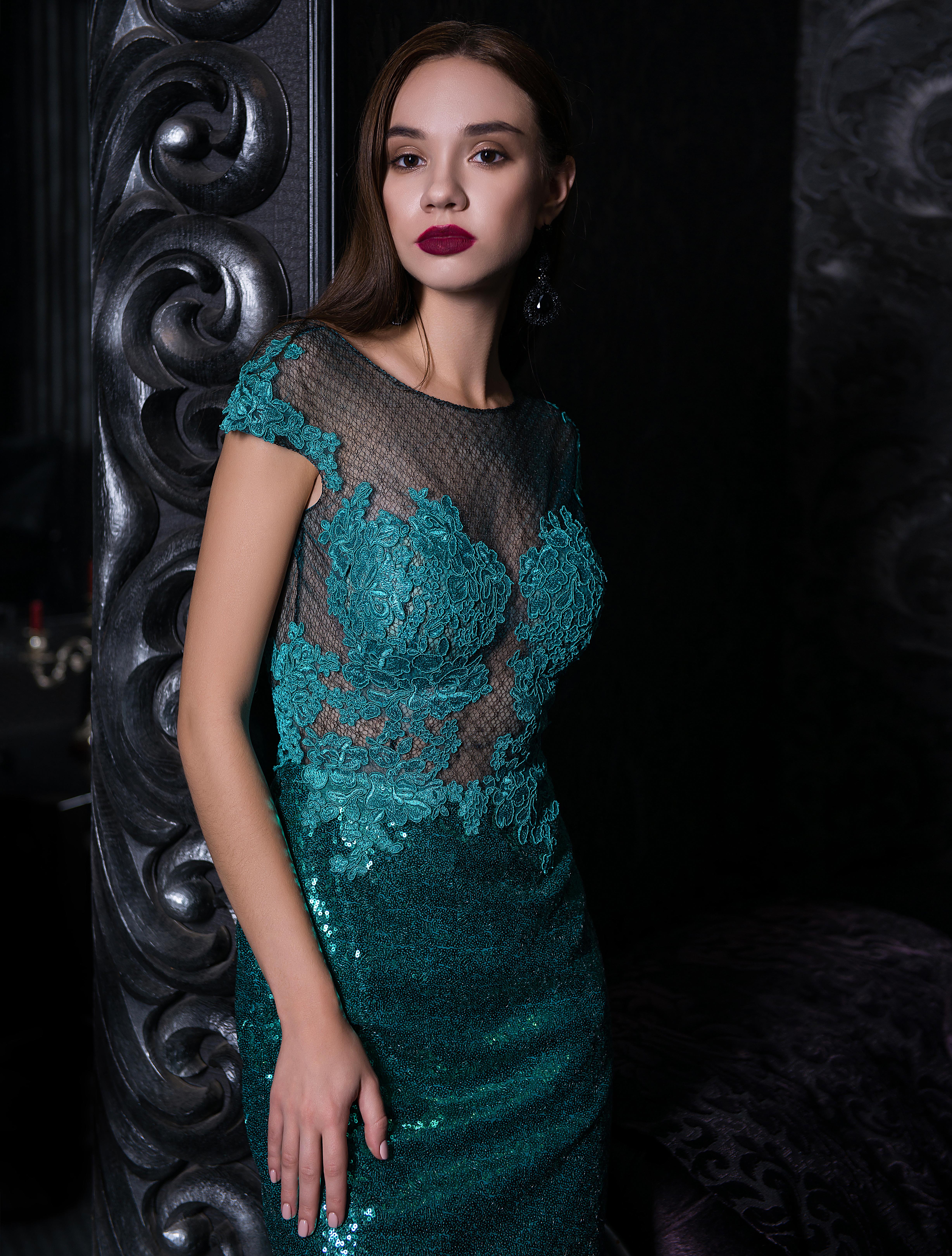 Вечернее короткое прямое платье-1